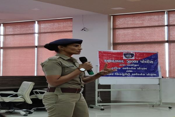 Guest Session on Cyber Law, Traffic Rules and Women Empowerment-img